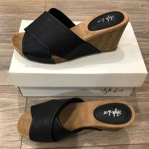 Style & CO size 8 women's wedge sandals